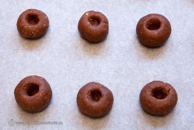 biscuiti-cu-nuca-si-ciocolata-4