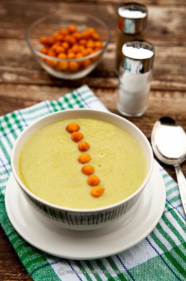 supa-crema-de-fasole-verde-cu-praz