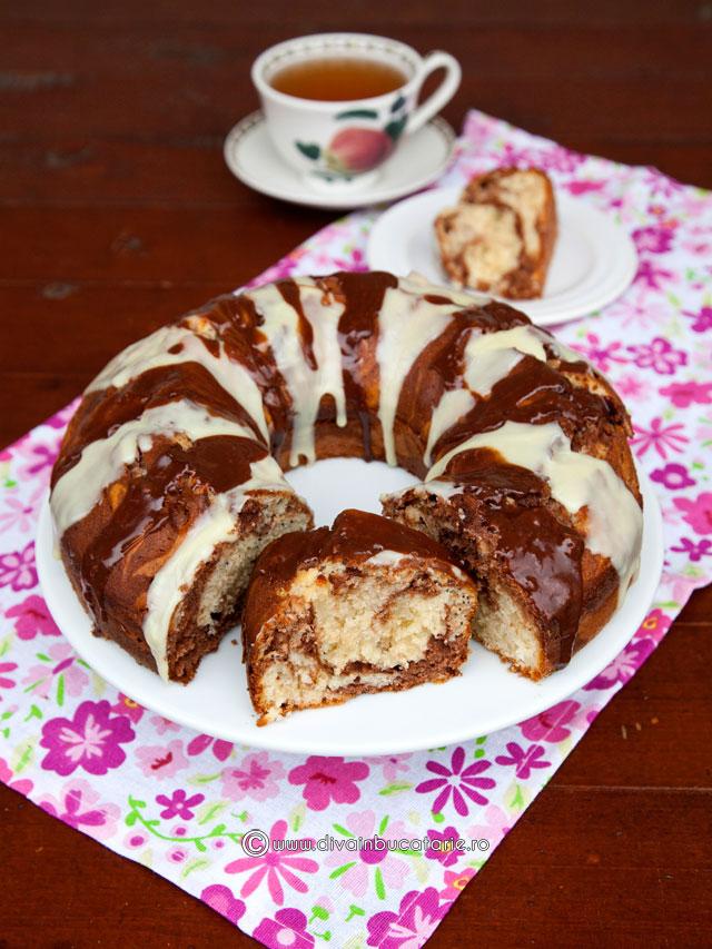 guguluf-cu-martipan,-ciocolata-si-mac