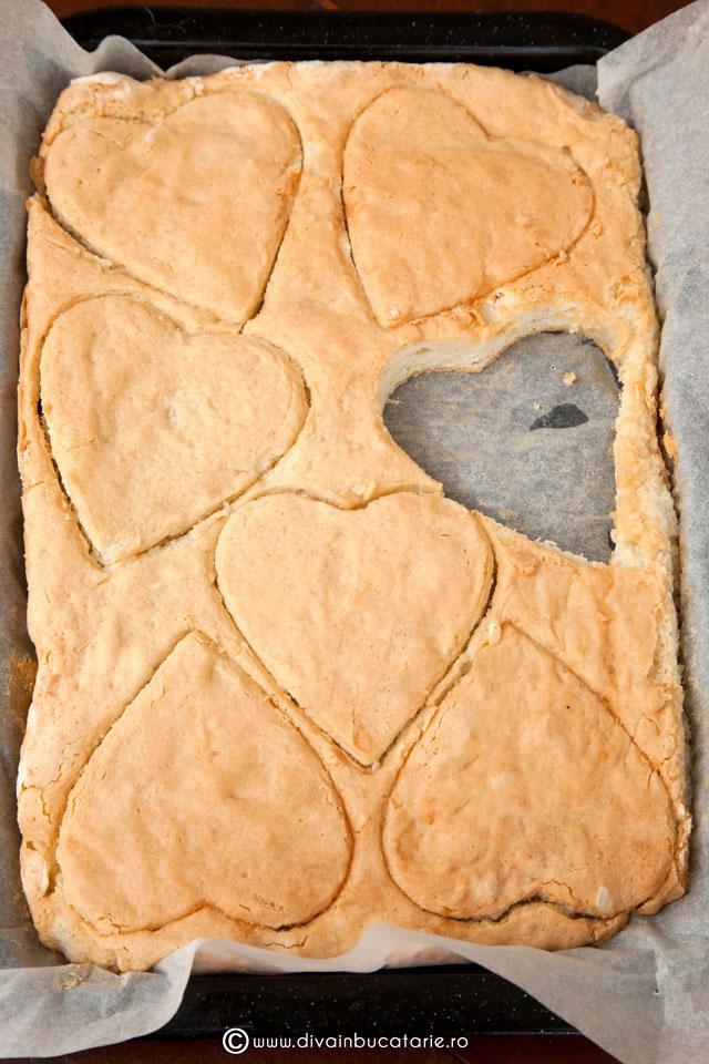 prajitura-cu-nuca-de-cocos-si-capsuni-3