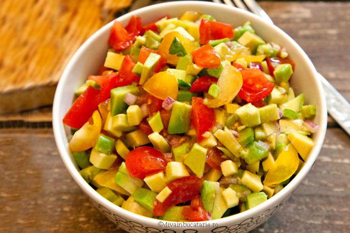 salata guacamole-diva in bucatarie salata cu avocado