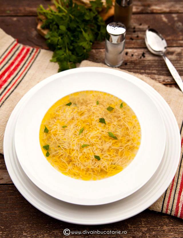 supa-de-cocos-cu-fidea-baneasa-4-oua