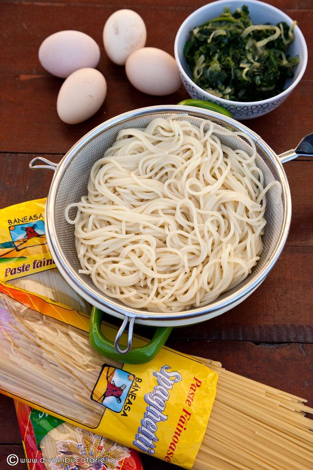 fritatta-cu-spaghetti-si-spanac-2