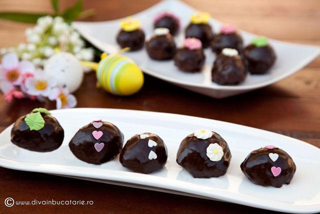 prajiturele-oua-de-ciocolata