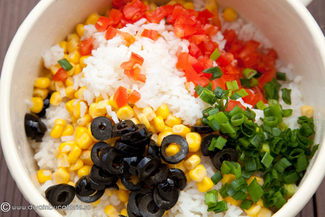 salata-de-orez-cu-porumb-si-broccoli-2