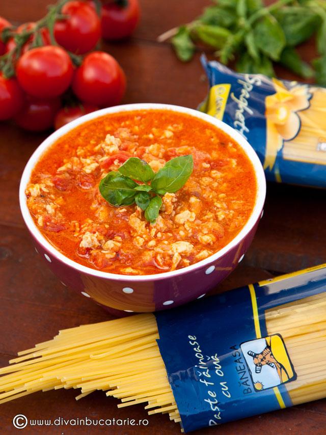 spaghetti-baneasa-cu-sos-ragu-de-pui--1-1