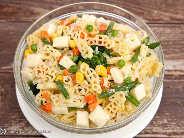 salata-din-paste-baneasa-copiilor-cu-legume-4