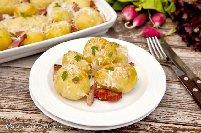 cartofi-noi-copti-cu-branzeturi-3