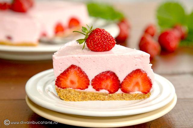 cheesecake-cu-iaurt-si-capsune