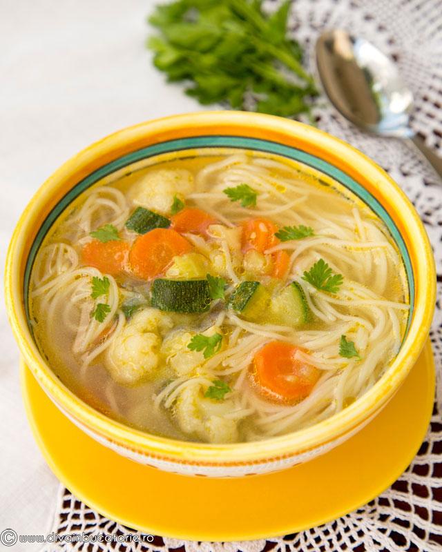 supa-de-legume-cu-fidea-cuburi