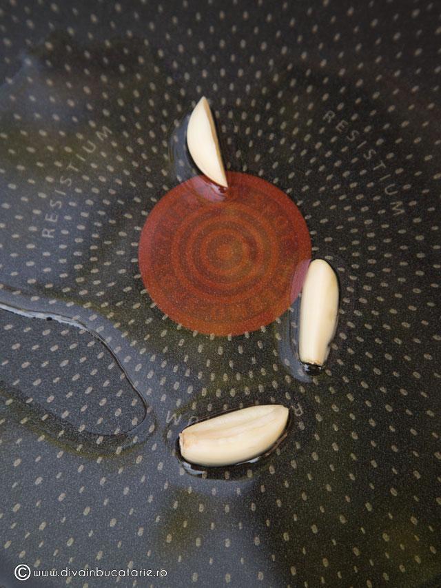 salata-de-paste-baneasa-cu-ciuperci-si-rosii-coapte-2