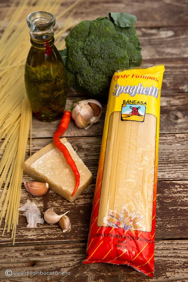 spaghetti-aglio,-olio-e-peperoncioni-cu-broccoli-1