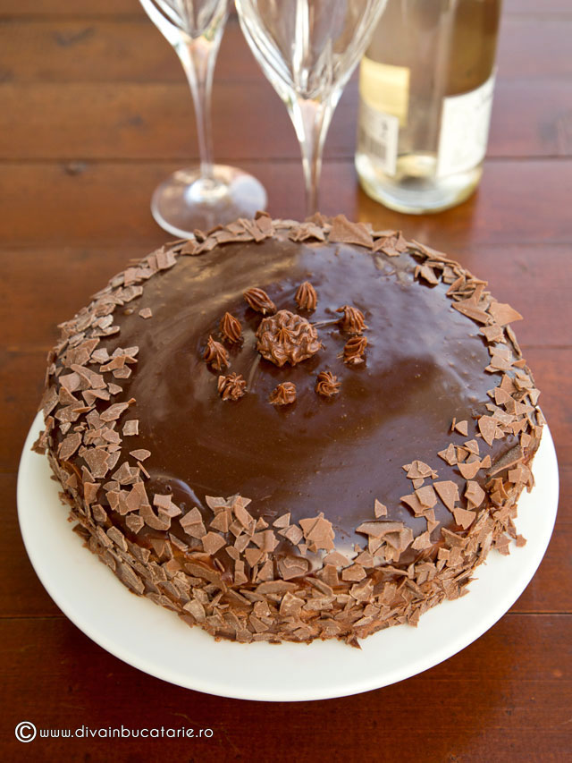 tort-de-ciocolata-cu-visine-5