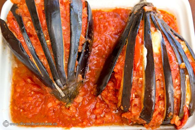 vinete-evantai-cu-sos-de-rosii-si-usturoi-3