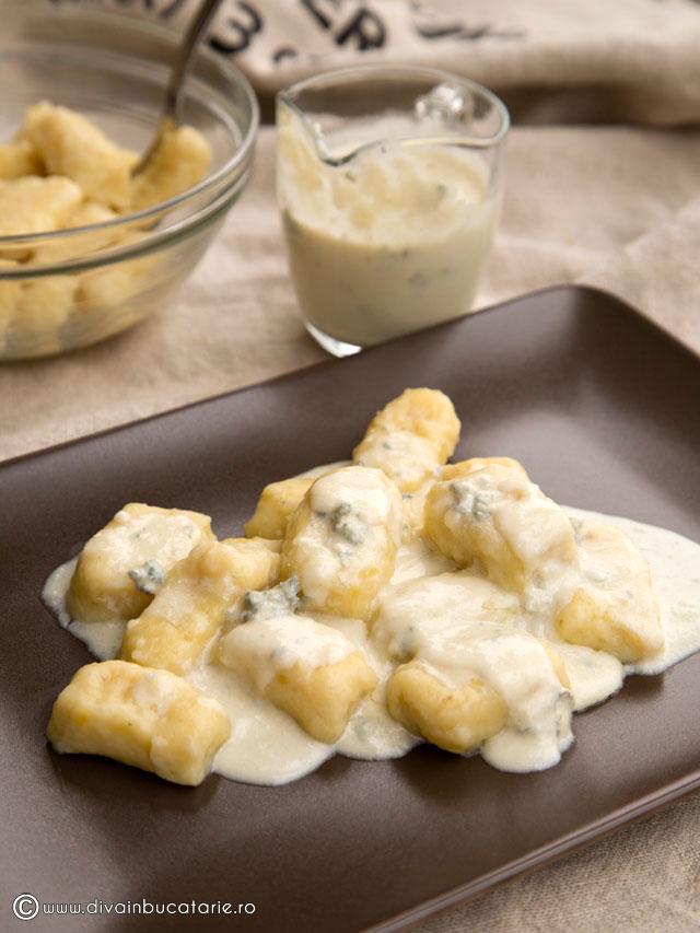 gnocchi-cu-sos-gorgonzola-0
