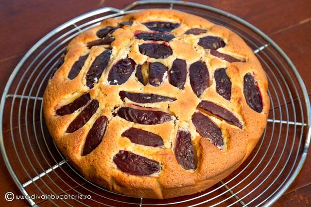 prajitura-cu-iaurt-si-prune-4