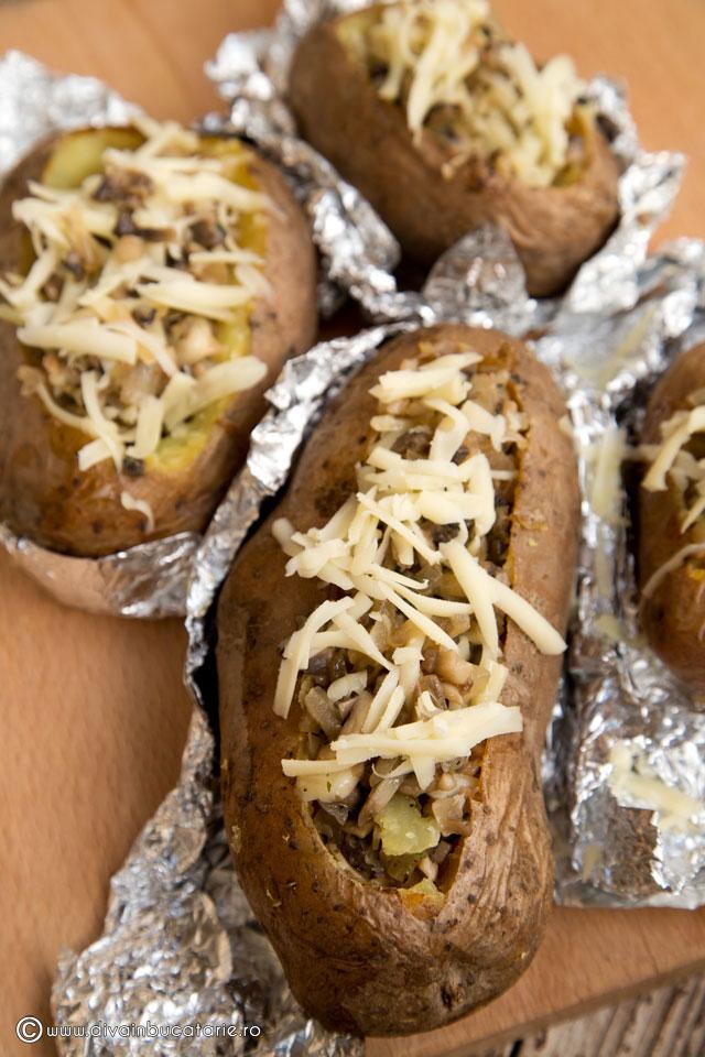 cartofi-umpluti-cu-ciuperci-si-cascaval-4