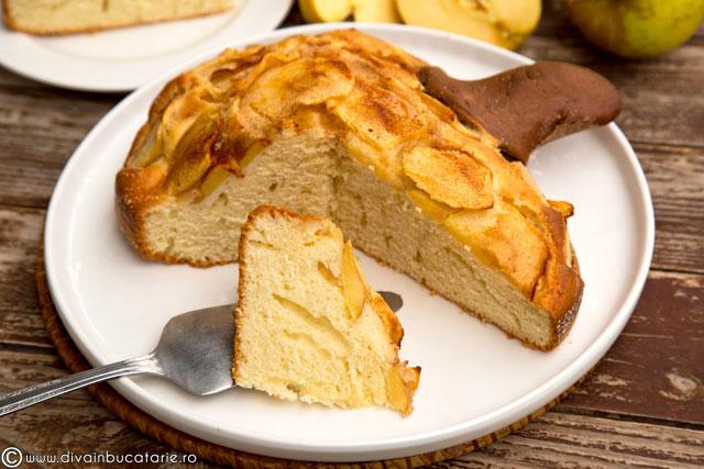 prajitura-cu-iaurt-si-mere-b