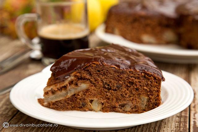 prajitura-de-ciocolata-cu-pere-0
