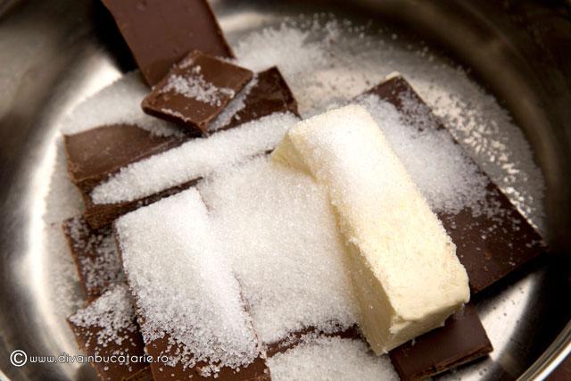 prajitura-de-ciocolata-cu-pere-2