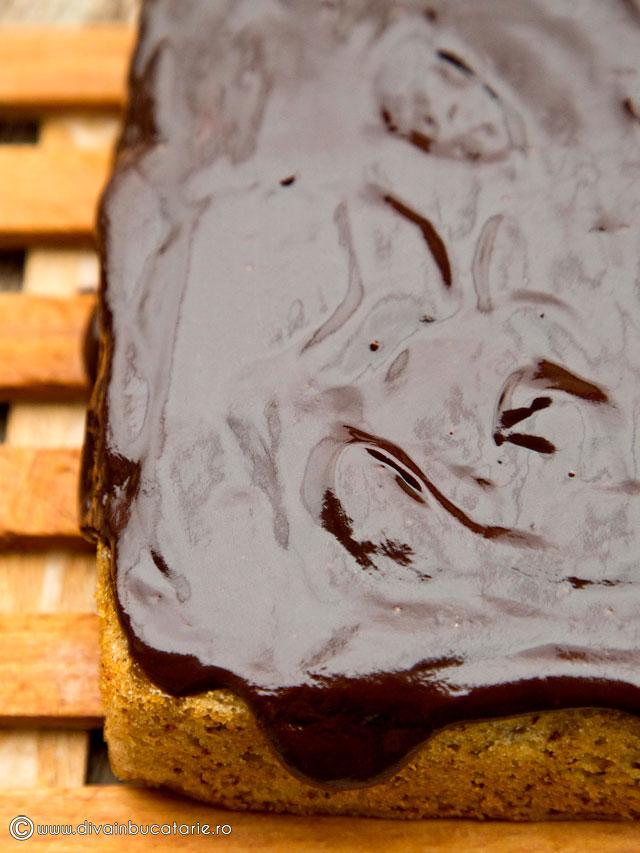 prajitura-de-post-cu-pere-si-ciocolata-7