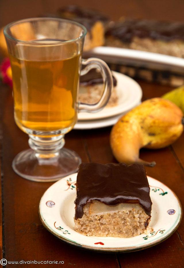 prajitura-de-post-cu-pere-si-ciocolata