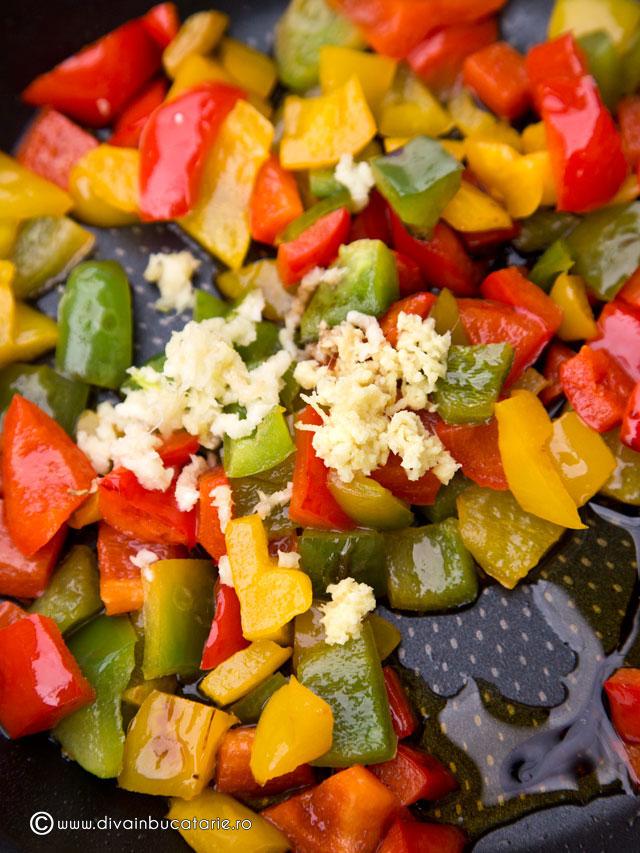 salata-calda-de-conopida-cu-ardei-3