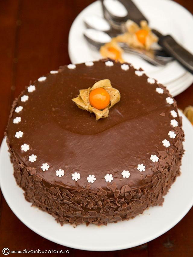 tort-de-ciocolata-cu-miez-de-lapte-7