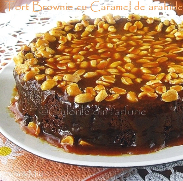 Tort-Brownie-cu-Caramel-de-arahide-1