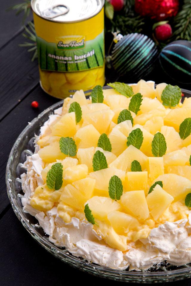 pavlova-cu-ananas-sun--food