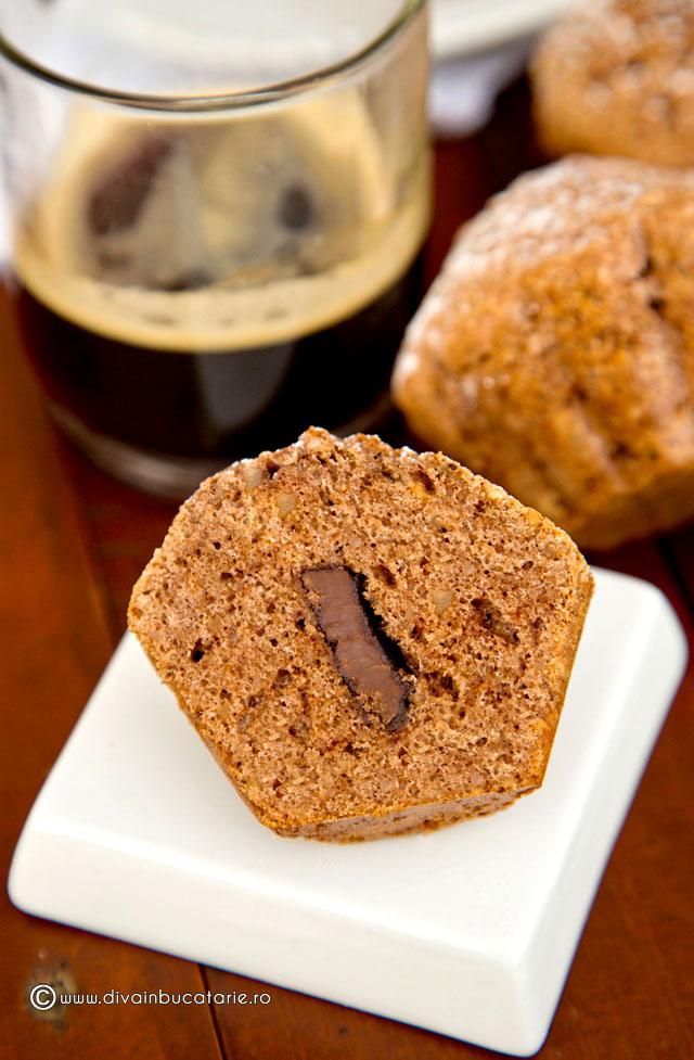 briose-cu-cafea-si-miez-de-ciocolata-a