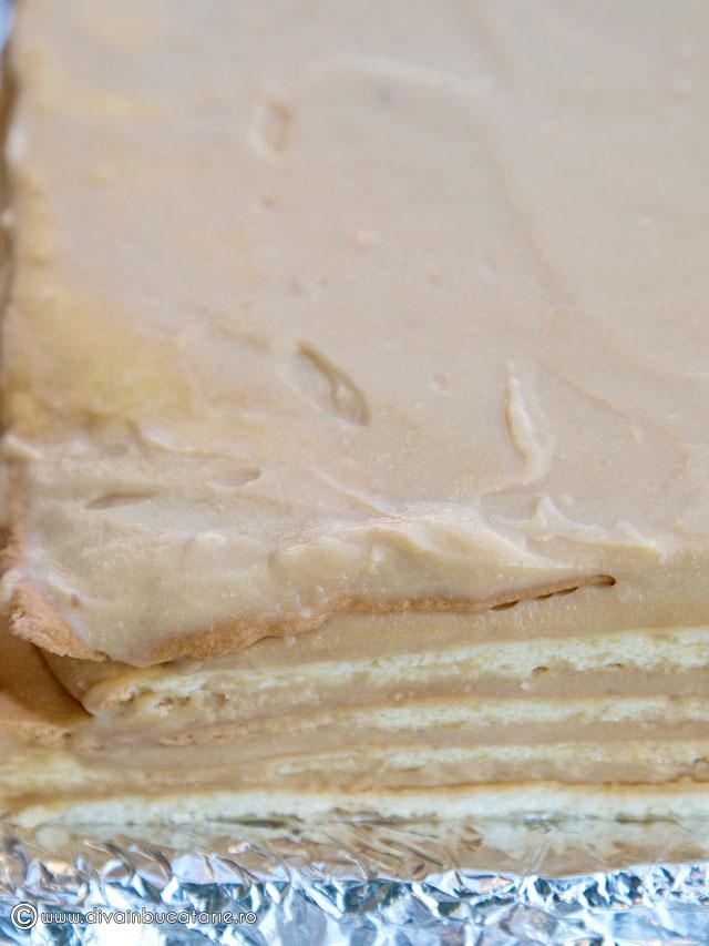 prajitura-cu-foi-si-crema-caramel-7