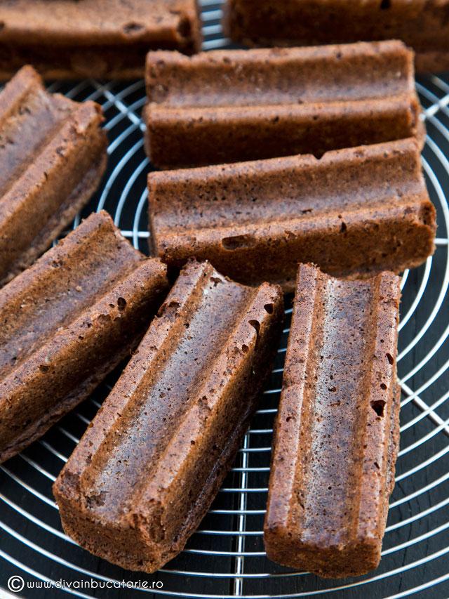 prajituri-de-ciocolata-cu-miez-raffaello-5