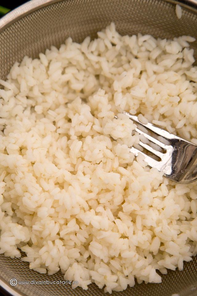 salata-de-orez-cu-ciuperci-si-merisoare-1