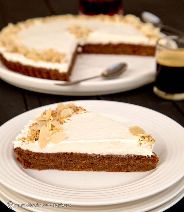 tort-simplu-de-morcovi-cu-cacao