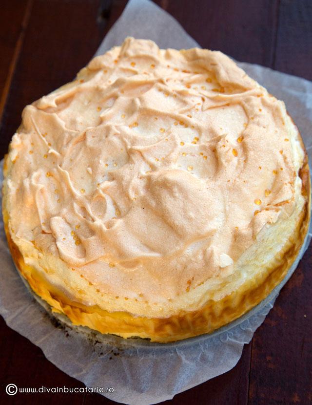 cheesecake-cu-vanilie-si-bezea-a