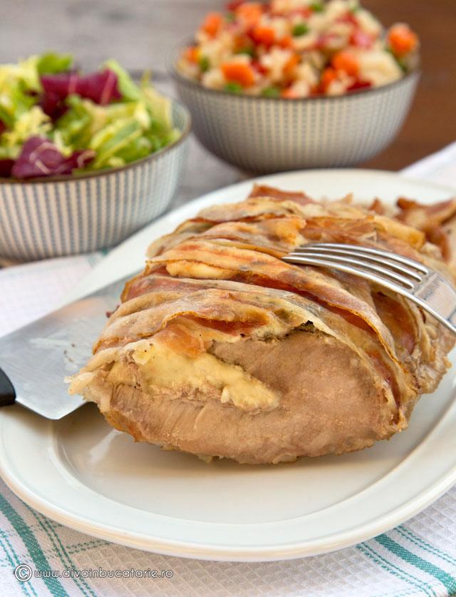 cotlet-impanat-cu-cascaval-si-sunca-in-bacon