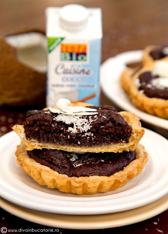 tarta-de-ciocolata-cu-crema-de-cocos-0