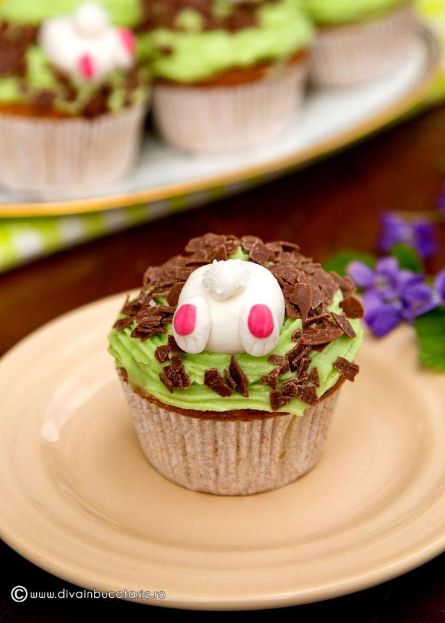 cupcakes-pentru-iepuras-c-u-crema-de-vanilie