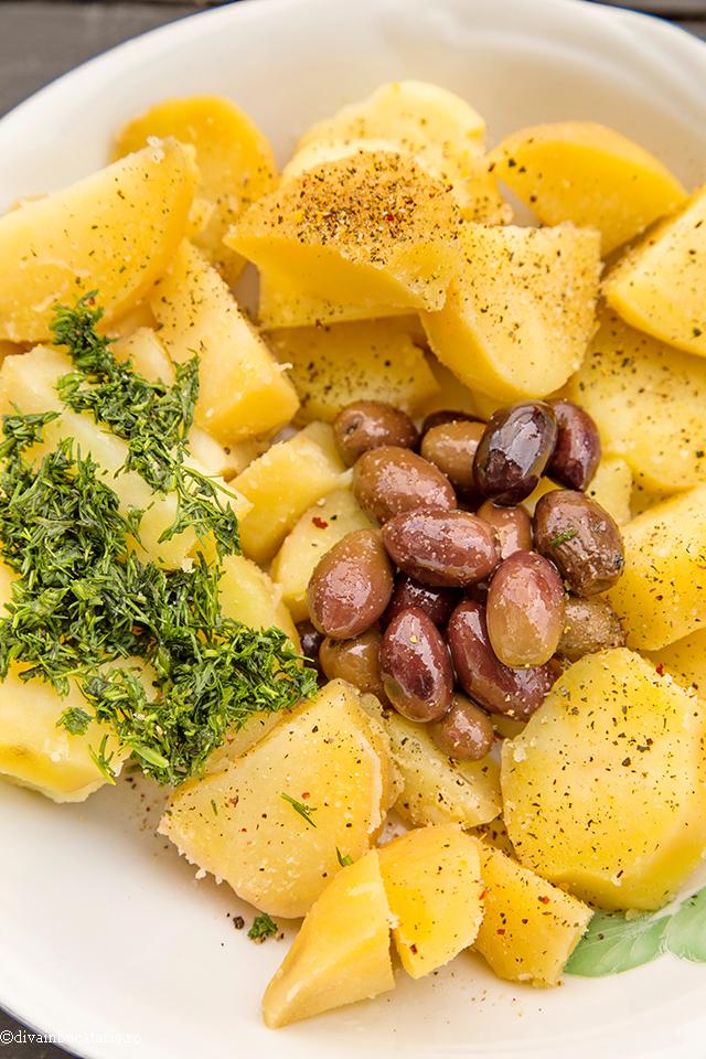 salata-de-cartofi-cu-feta-1