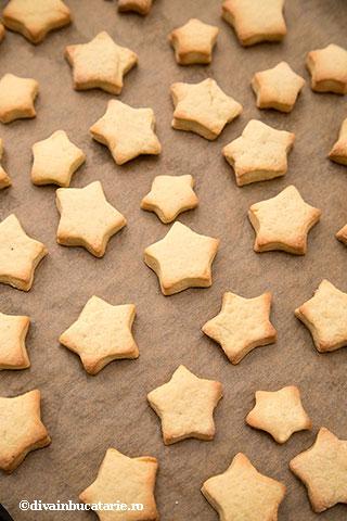 biscuiti-stelute-cu-vanilie-4