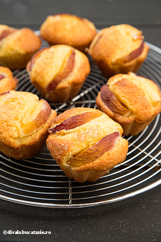 muffins-cu-piersici-4