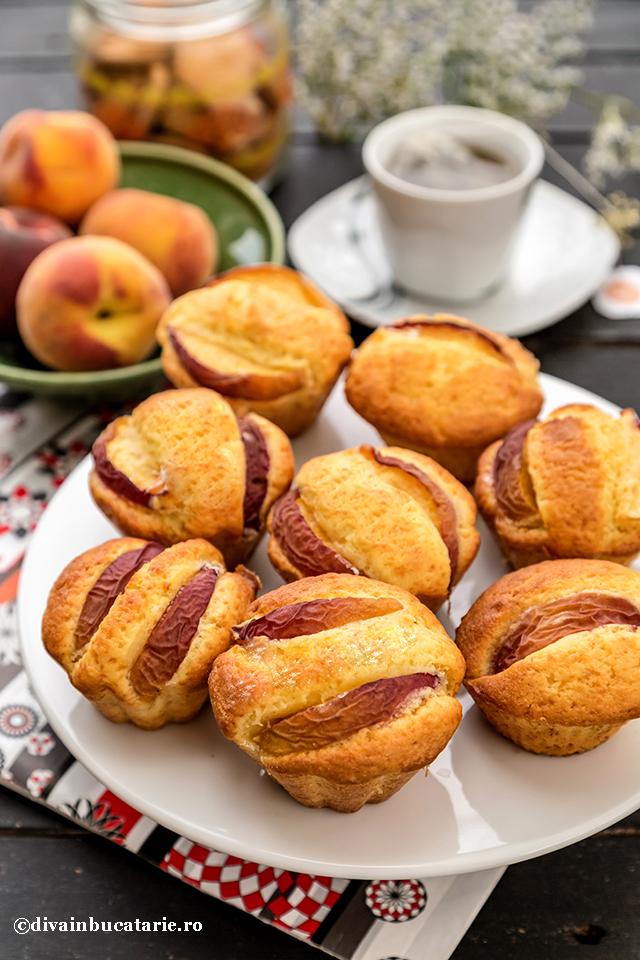 muffins-cu-piersici