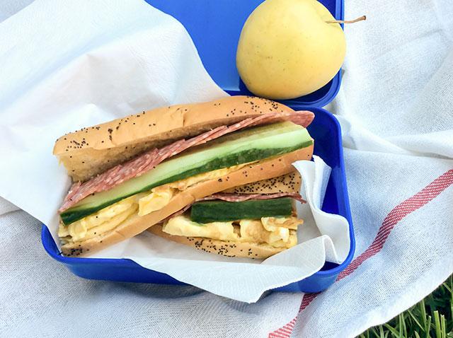 sandwich-pentru-scoala-andrew-black