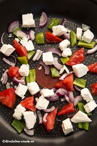 OMLETA-cu-salata-greceasca-1