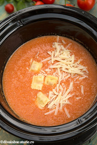 supa-crema-de-rosii-si-crock-pot-4