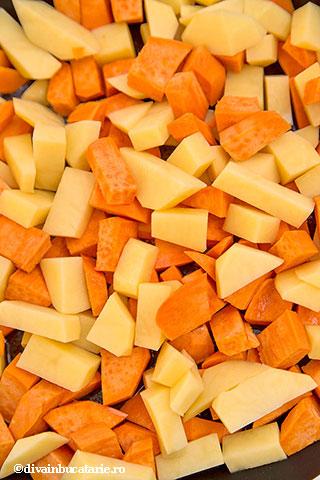 cartofi-dulci-si-albi-inabusiti-cu-fasole-si-patrunjel-2