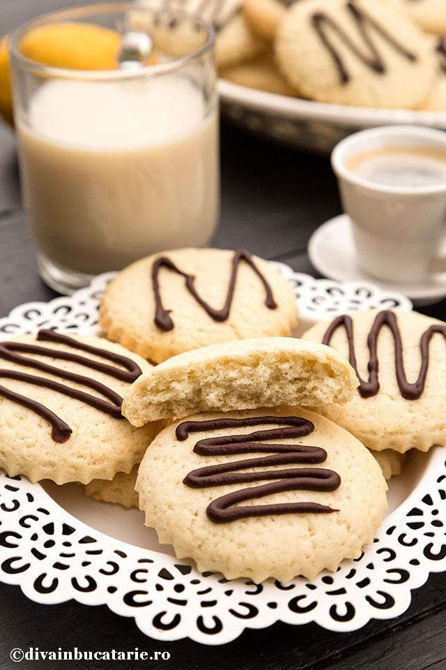 biscuiti-cu-lamaie-de-post-b