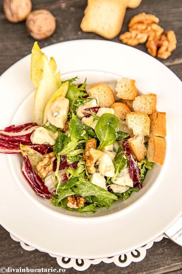 salata-cu-andive,-roquefort-si-nuci