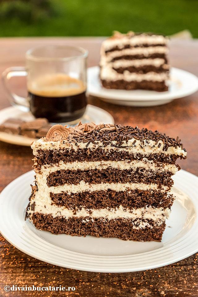 tort-de-ciocolata-cu-crema-de-lapte-felii-0
